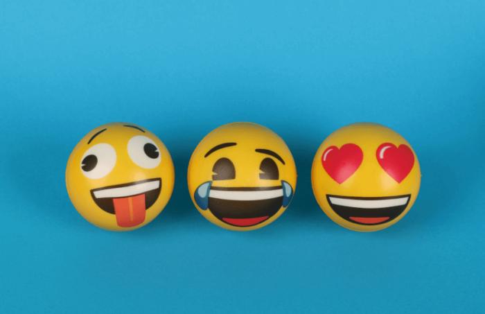 Vuelve tus copys visuales con emojis
